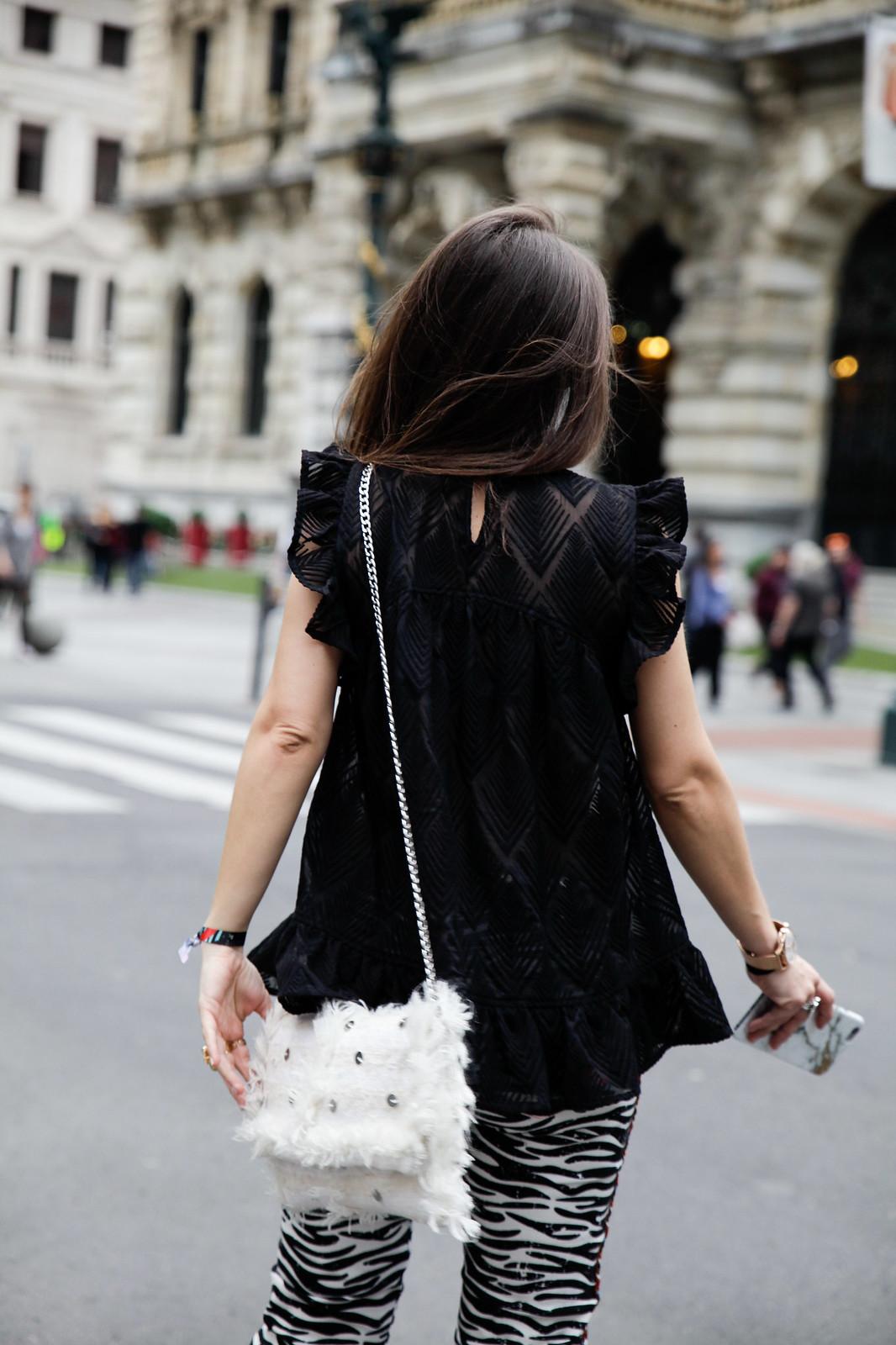 011_Pantalones_Zebra_Blusa_Boho_tacones_rosas_stradivarius_Theguestgirl_outfit_barcelona_streetstyle