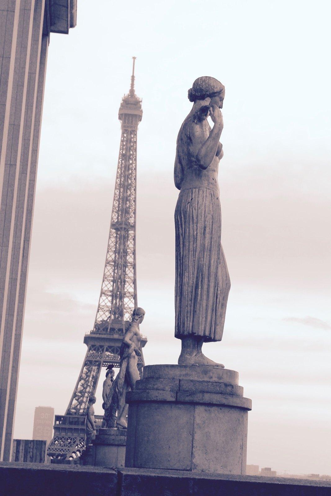 Paris Les Dames De La Tour