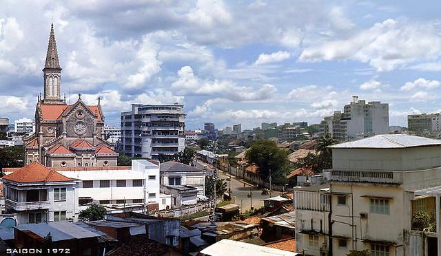 SAIGON 1972 - Nhà Thờ Huyện Sĩ & đường Lê Lai