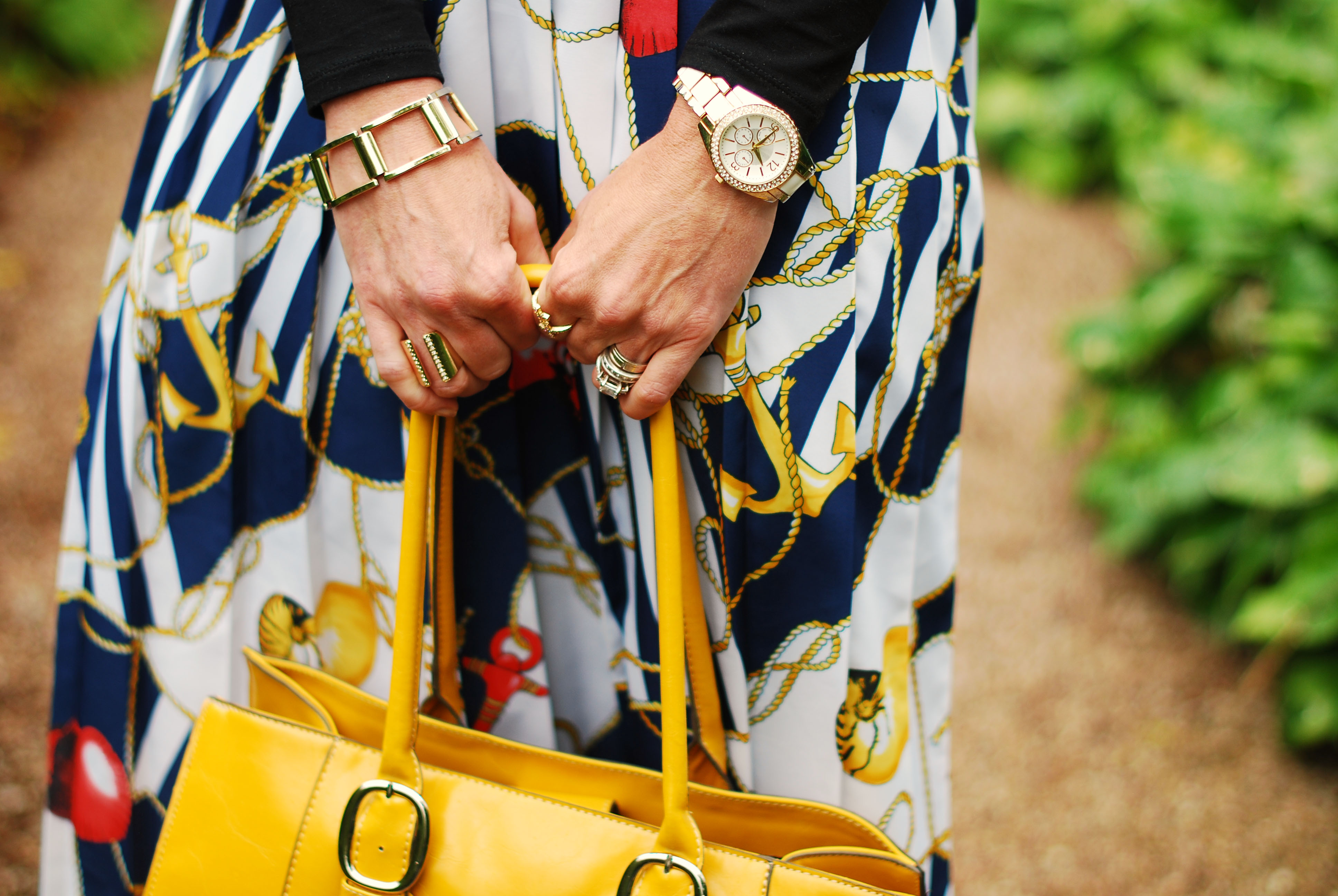 Vintage skirt & yellow tote