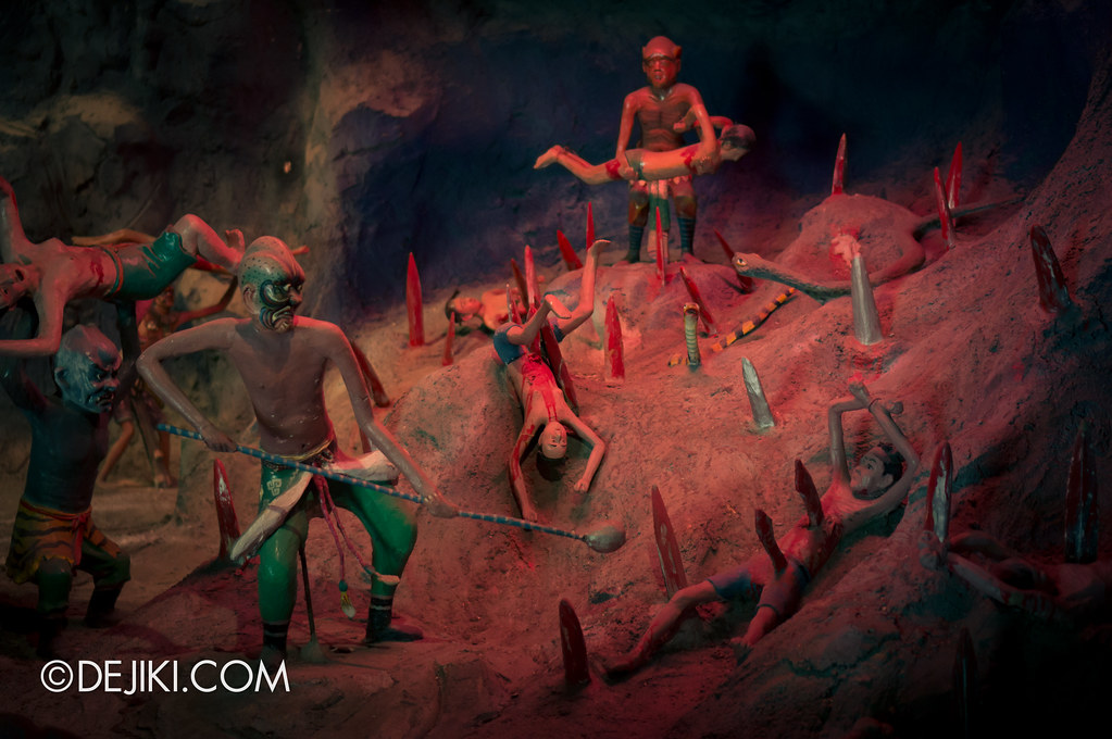 Haw Par Villa - inside ten courts of hell 11