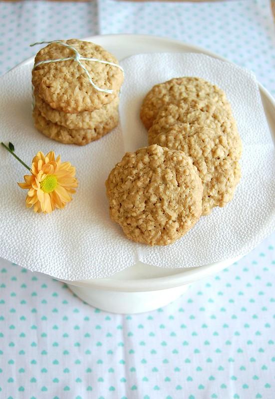 Coconut lime oatmeal cookies / Biscoitos de aveia, coco e limão