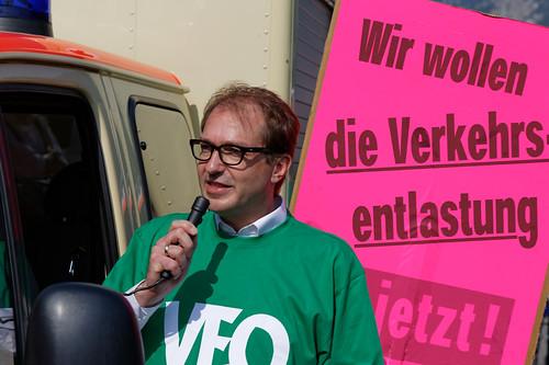 Alexander Dobrindt beim Protestmarsch Verkehrsentlastung Oberau B2neu