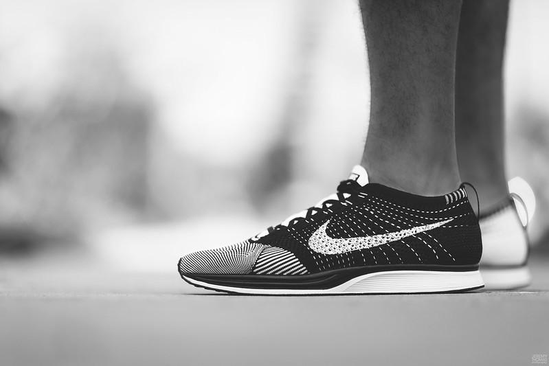 Nike Flyknit Racer - Black & White