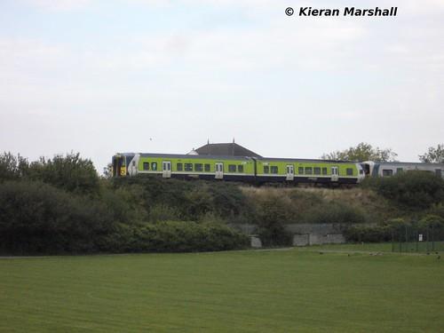 irish train empty rail railway trains railcar commuter transfer railways irishrail 2800 iarnród 2013 éireann iarnródéireann irishrailie outsideportlaoise