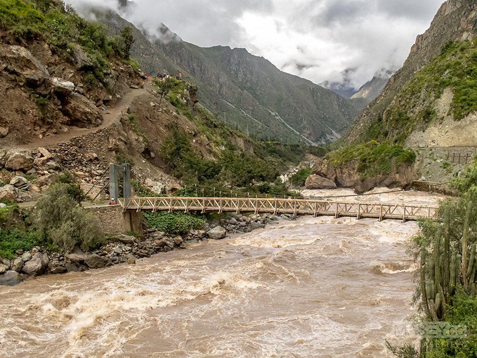 Our first task - crossing the raging Rio Urubamba.