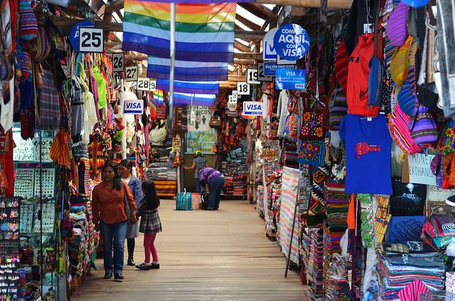 En el mercado de artesanía de Cuzco