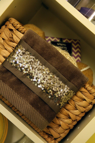 Sequin-basket