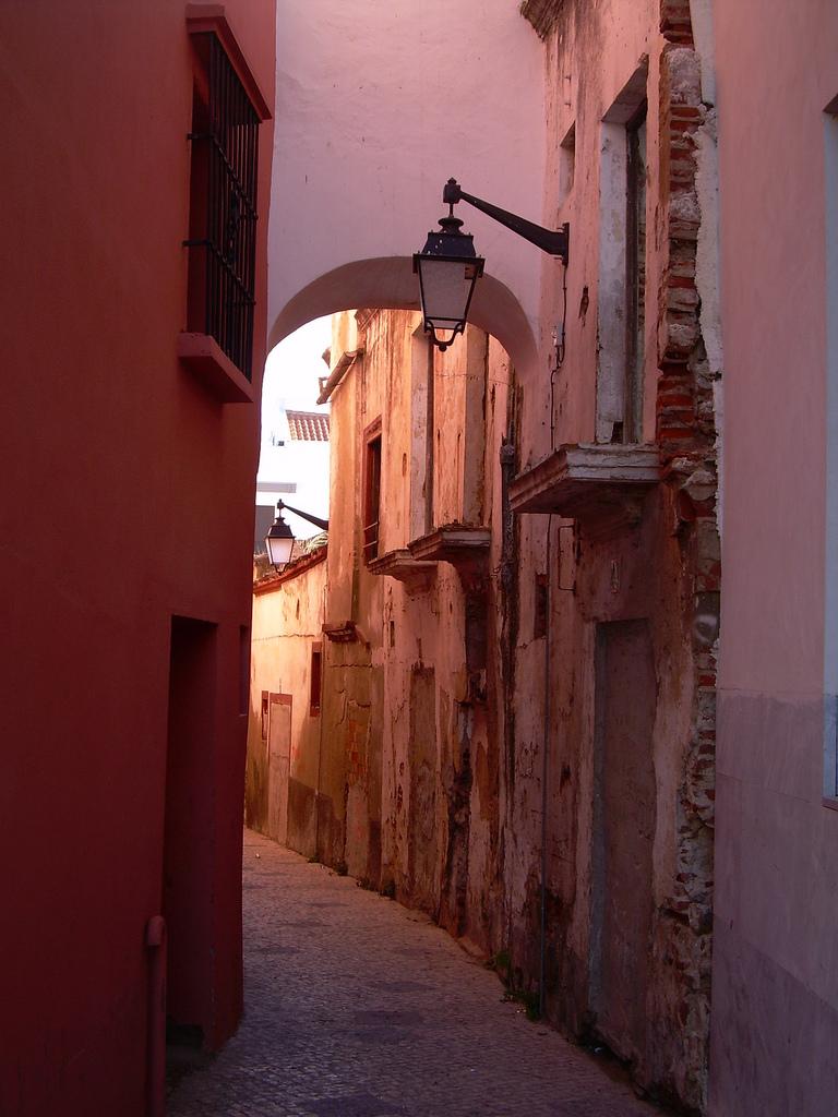 10. Callejuela en el casco antiguo de Badajoz. Autor, David Pedrero