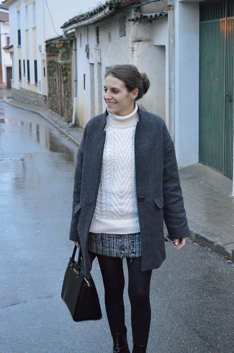 lara-vazquez-madlula-blog-easy-chic-fashion-style-grey-white-winter