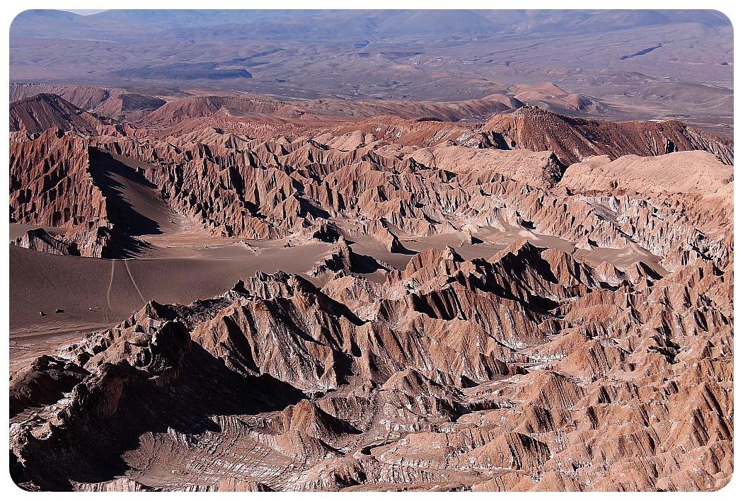 valle de la luna atacama desert lunar landscape