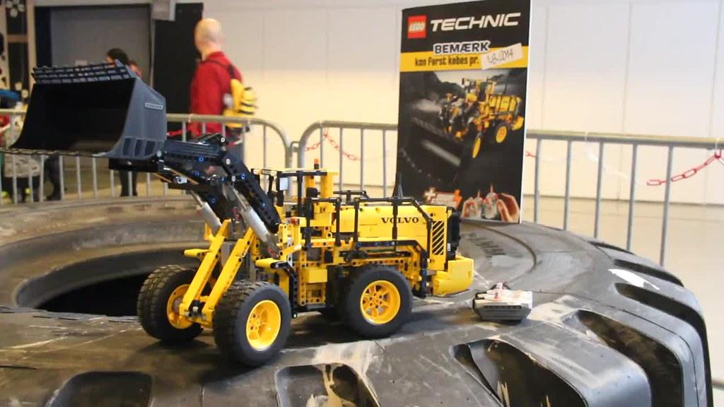 lego technic 42030 volvo front end loader flickr photo. Black Bedroom Furniture Sets. Home Design Ideas