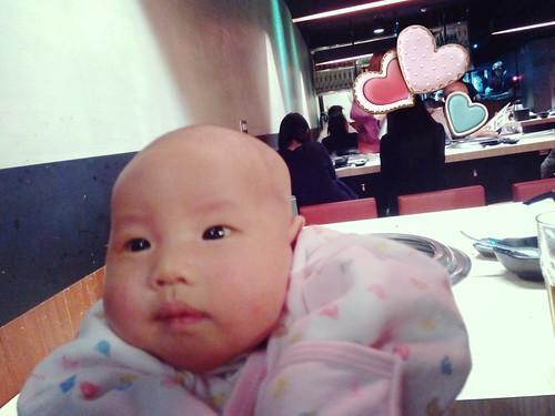 [1M15D]小晴的生平第一次餐館體驗&尿布升級s