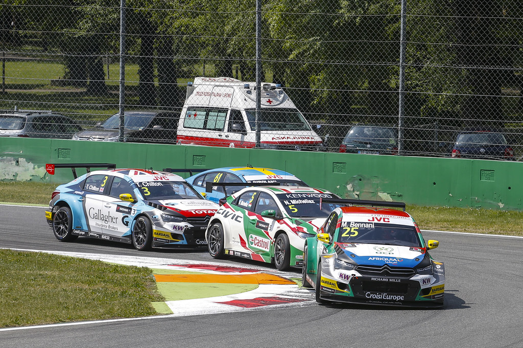 25 BENNANI Mehdi (mor) Citroen C-Elysee team Sébastien Loeb Racing action depart Start race 1 during the 2017 FIA WTCC World Touring Car Race of Italy at Monza, from April 28 to 30  - Photo Francois Flamand / DPPI