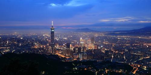 夜曲巴別塔( מגדל בבל Migdal Bavel) ~Dusk and Twilight of Taipei101 and Xinyi  metropolitan District~