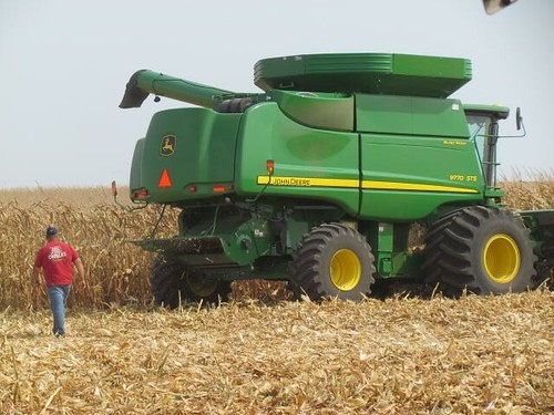 Harvest has come early to many parts of Iowa this year due to stress from heat and lack of moisture. In many cases, cobs were bending over and stalks were weak, indicating it was time to harvest. Even so, this particular farmer, by his estimation, expecte