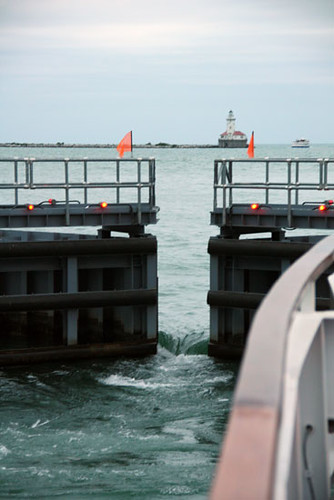 BoatCruise_Lock-Opening