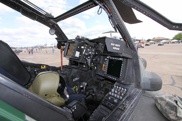 Hughes / McDonnell Douglas / Boeing AH-64 Apache Longbow attack helicopter