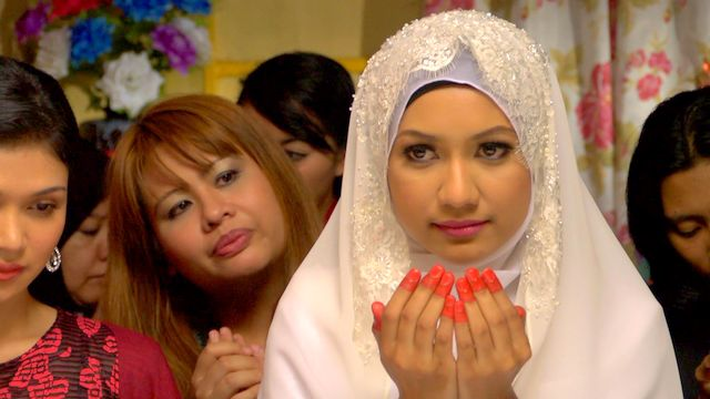 watak Zaara yang terpaksa berkahwin dengan Irham demi melangsaikan hutangnya