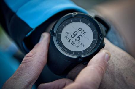 SROVNÁVACÍ TEST: Běžecké sporttestery s GPS