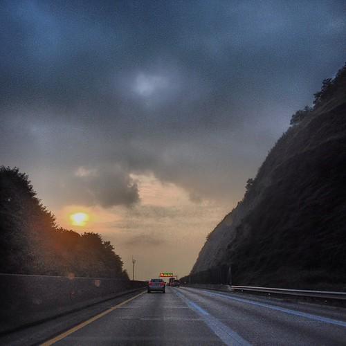 중부 내륙 고속도로...벌초 가는 중