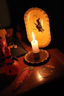 Deco Mustard Witch Candle Sconce