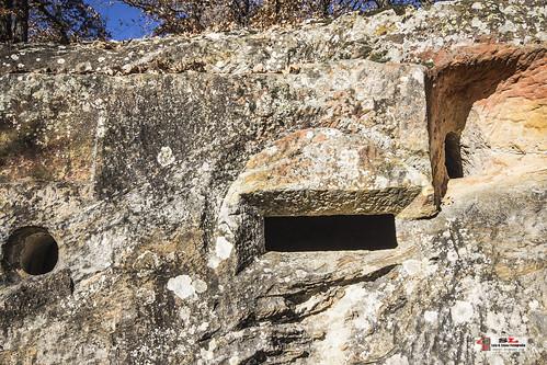 Iglesia ruprestre de Cadalso