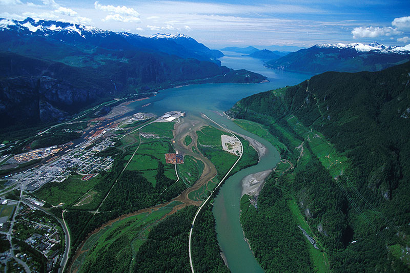 Squamish at the head of Howe Sound, Squamish Valley, Sea to Sky, British Columbia, Canada