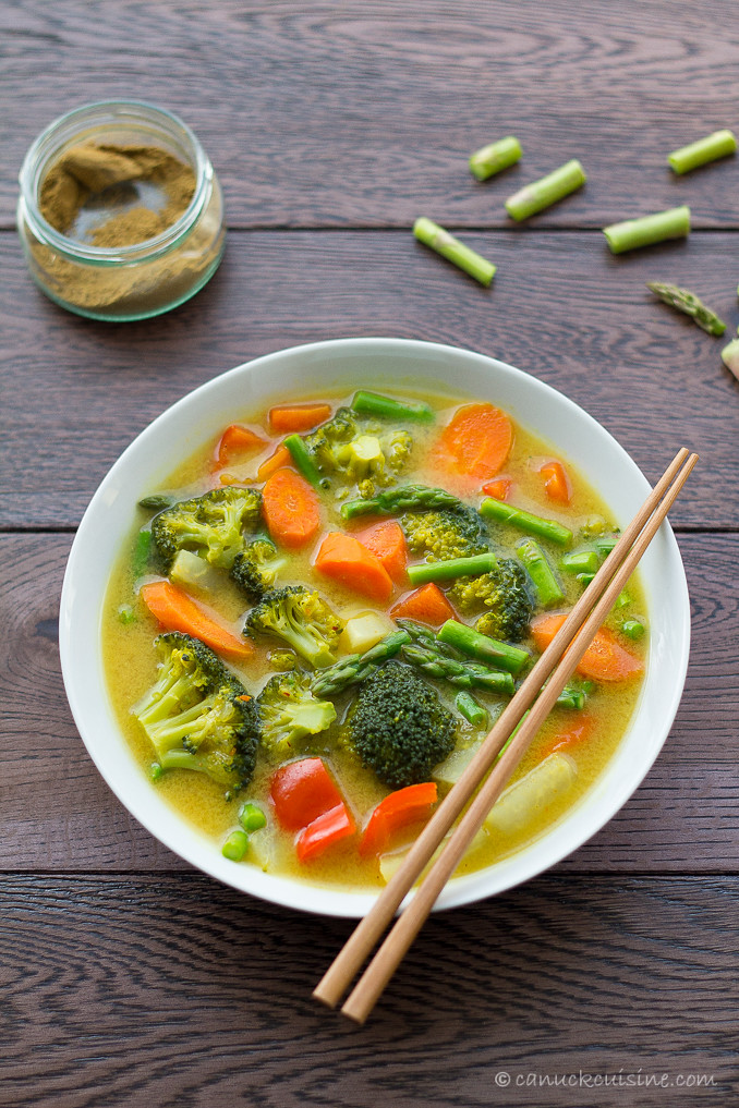 Coconut Veggie Curry and red thai curry paste recipe