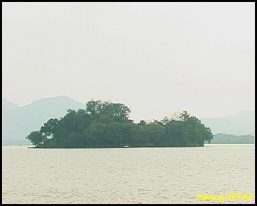 杭州 西湖 (其他景點) - 208 (白堤上的孤山 望向湖心亭)