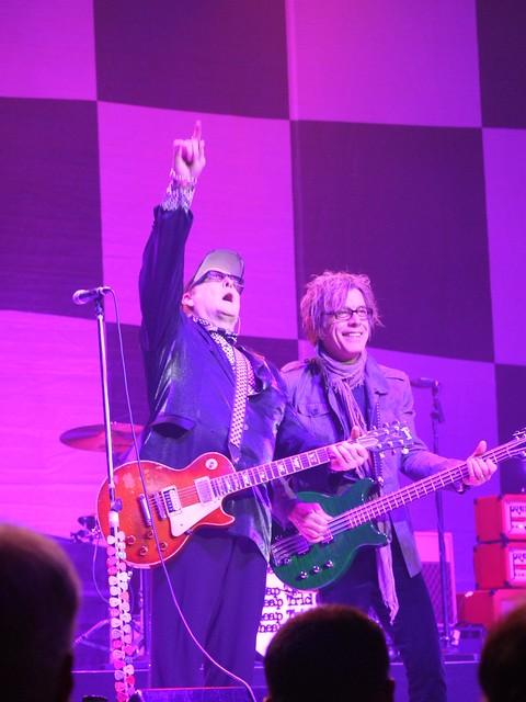 土, 2014-02-15 21:20 - Rick Nielsen, Tom Petersson