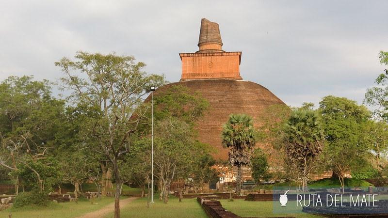 Anuradhapura Sri Lanka (8)