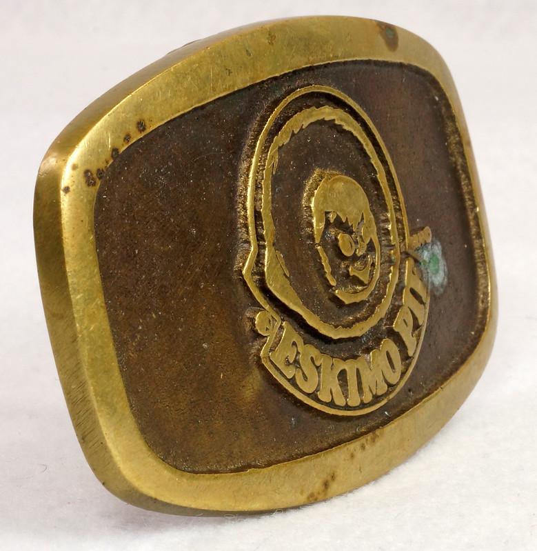 RD15316 Vintage Eskimo Pie Brand Brass Belt Buckle Advertising DSC09226