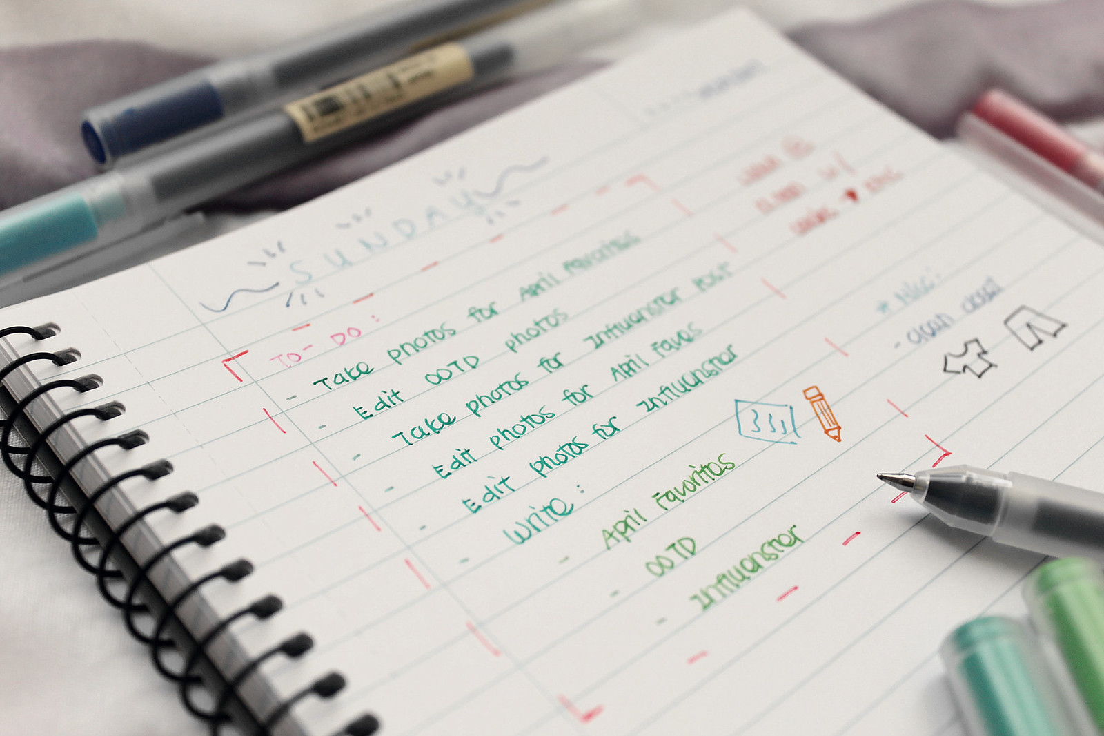 4113-muji-pens-stationary-lifestyle-japanese-clothestoyouuu-elizabeeetht-flatlay
