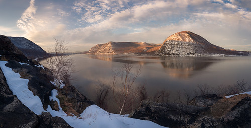 breakneckridge hudsonriver hudsonvalley winter stormking crowsnest panorama hudsonhighlands landscape
