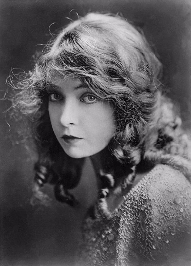 Lillian Diana Gish1