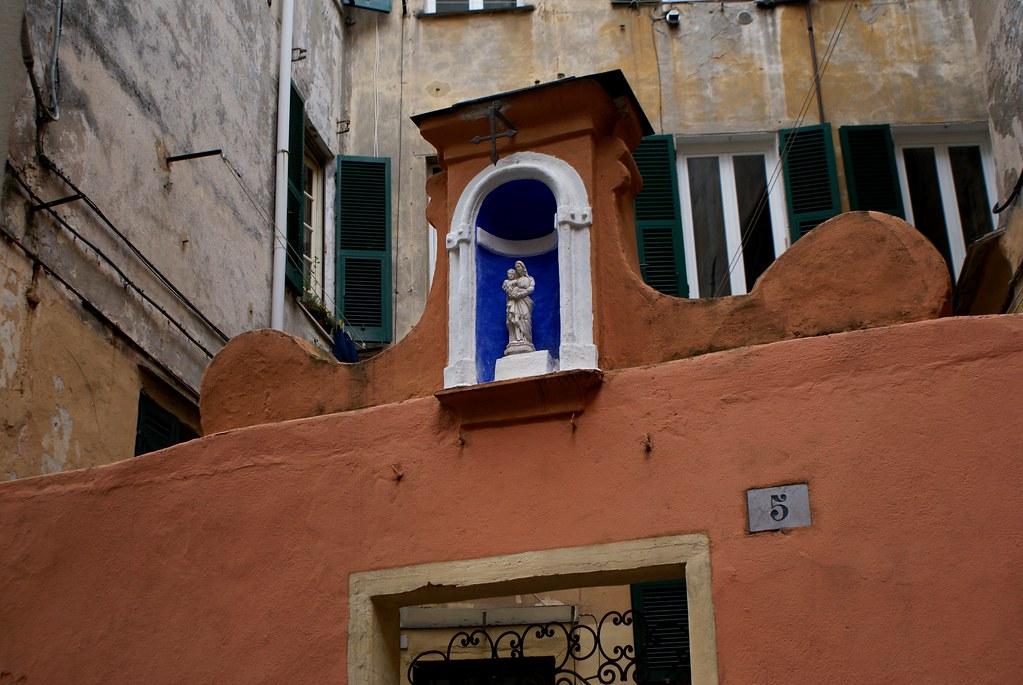En route vers le musée de la sculpture Sant Agostino à Gênes.