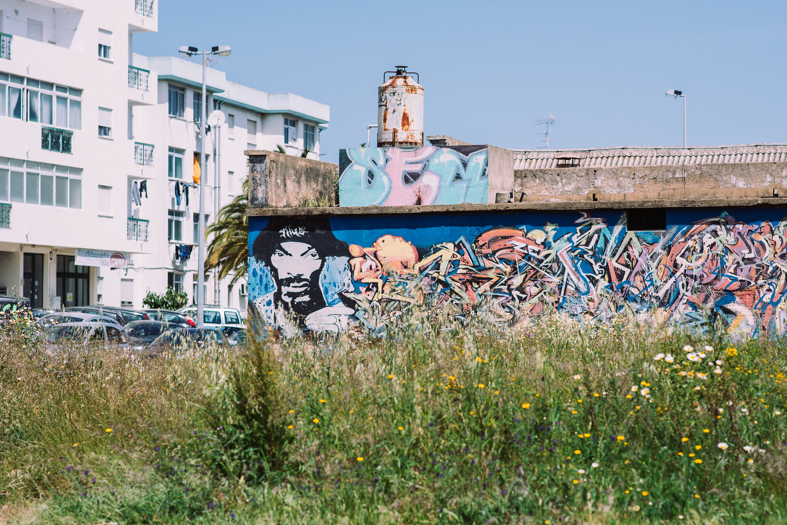Olhao streetart with Snoop Dogg