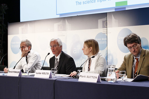 Science and evidence-based environmental policy making - the scientific input to the EU Air Policy Review