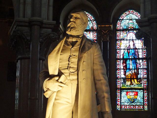 president-garfield-statue