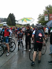 At the start. Yeah it's wet. Hey, isn't that Simon Whitfield in the middle?