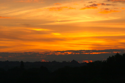 sky 20d silhouette clouds sunrise canon landscape dawn day cloudy worcestershire bromsgrove