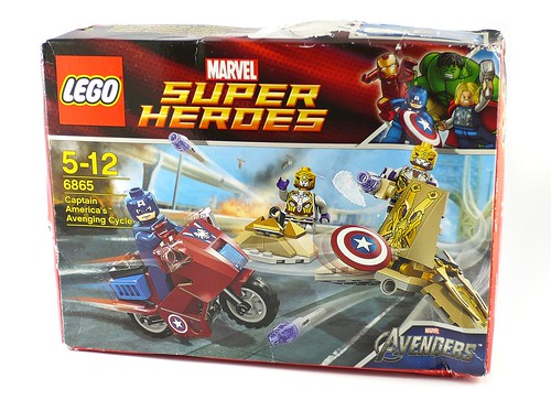 LEGO Marvel Super Heroes 6865 Captain America's Avenging Cycle 01