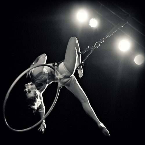 Dallas based aerial acrobat Skye Starling - Photo by Lynne Rostochil