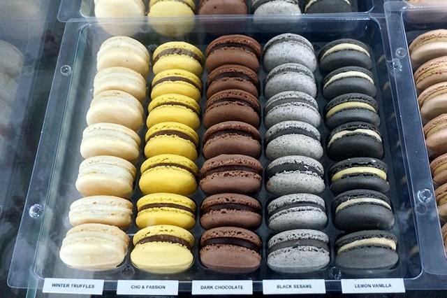 Les Deux Garcons, Taman Desa - go for great French croissants & cakes-006