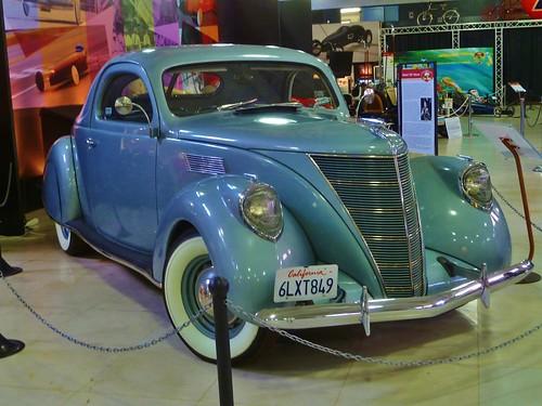 1937 Lincoln-Zephyr V-12 Coupe