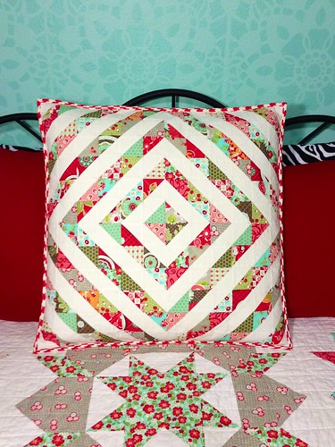 HST pillow from Swoon quilt flying geese leftovers