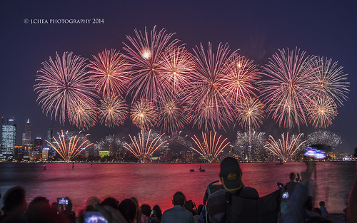 canon reflections fireworks cityscapes australia perth bluehour australiaday westernaustralia skyworks jchea canoneos5dmarkii jeromechea jcheaphotography canonef24105mmf40llens perthcelebrations