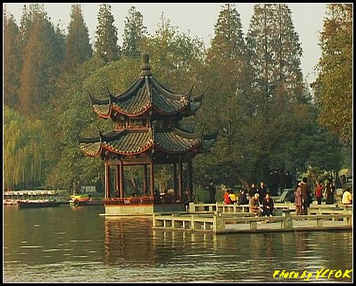 杭州 西湖 (其他景點) - 525 (西湖十景之 柳浪聞鶯 在這裡準備觀看 西湖十景的雷峰夕照 (雷峰塔日落景致)