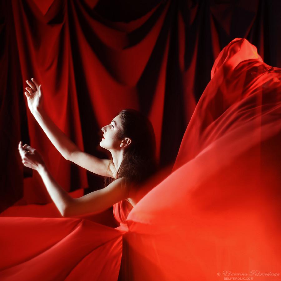 Alesya_red_dress_05